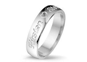 Relatiering / verlovingsring echt zilver met naam gravering - model B